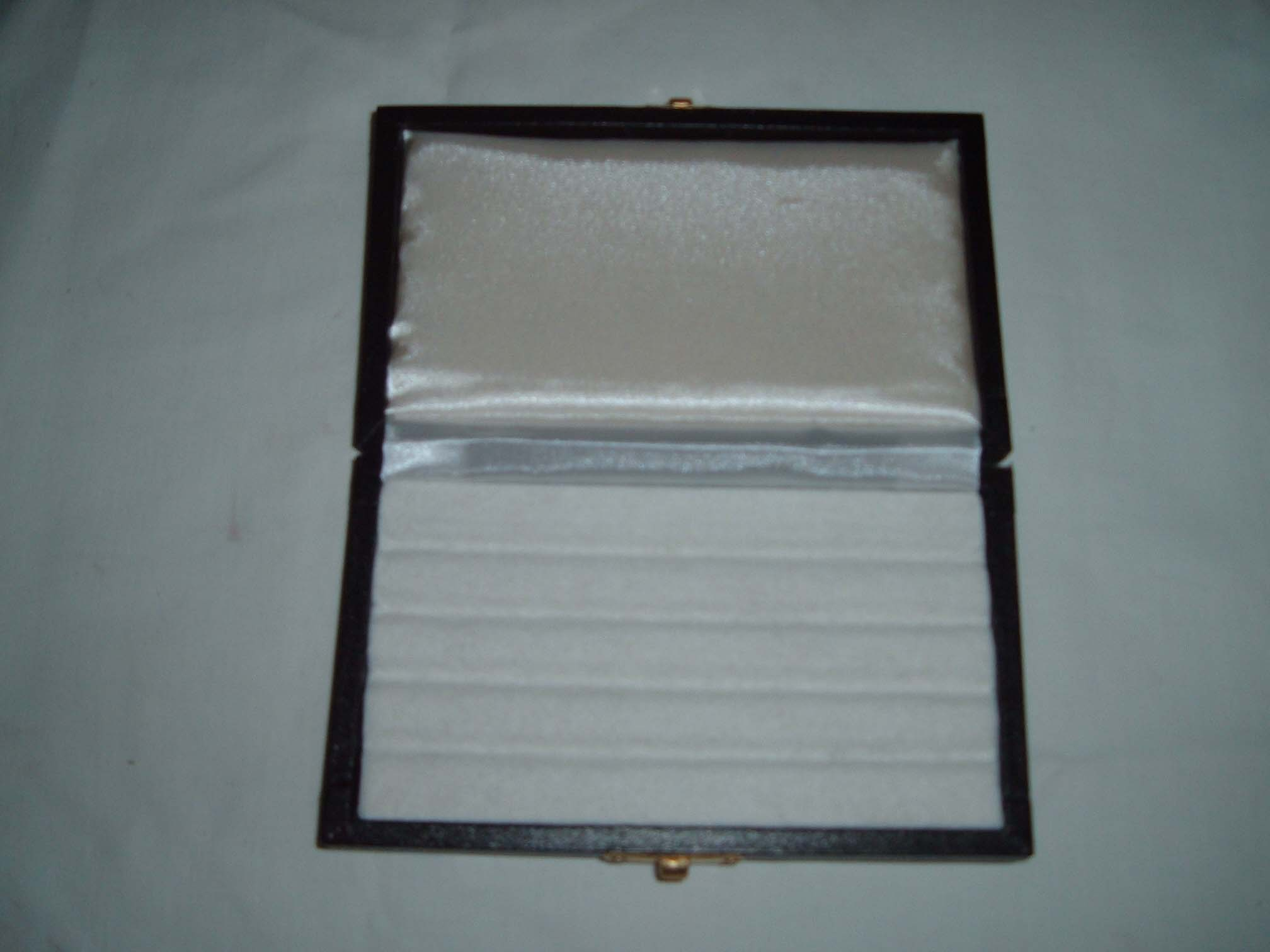 Gem Boxes With Felt Pad Grooved